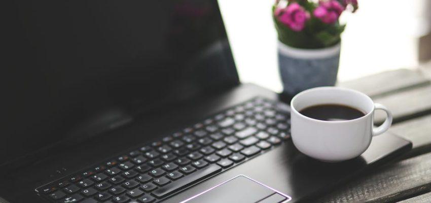 7 Bad Habits That Will Shorten Your Laptop Usage Lifespan