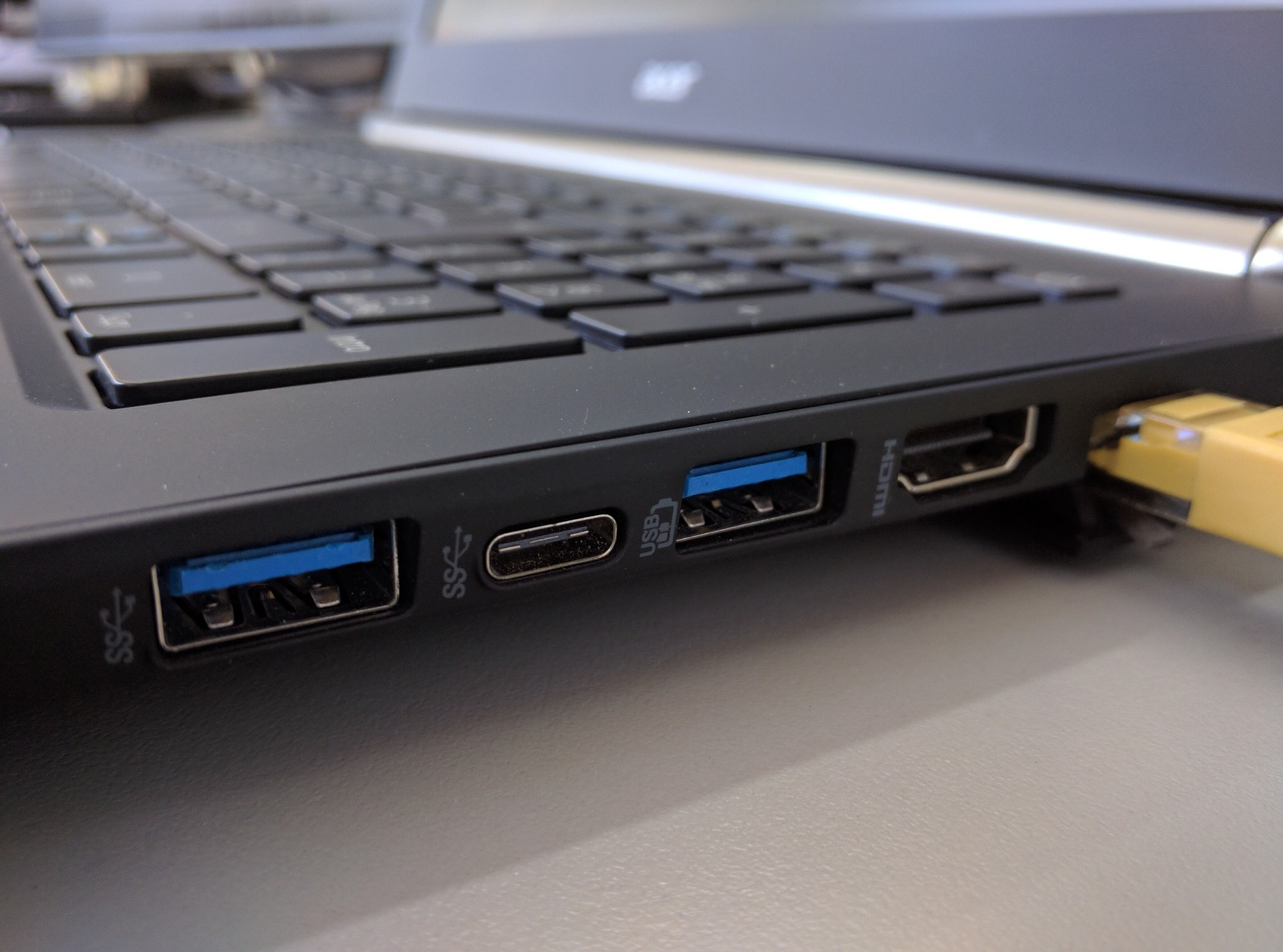 What are Computer Ports & How to Clean Them